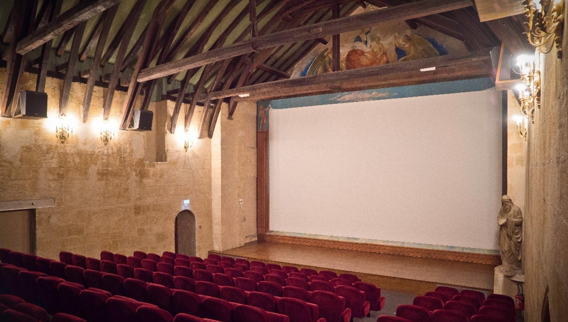 Focus sur la salle de cinéma Utopia Saint-Siméon de ...